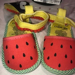 BNWT- Baby 🍉Watermelon 🍉 cloth sandals w/strap